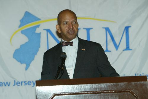 NLC President, Washington, D.C. Mayor Anthony Williams speaks to Conference attendees