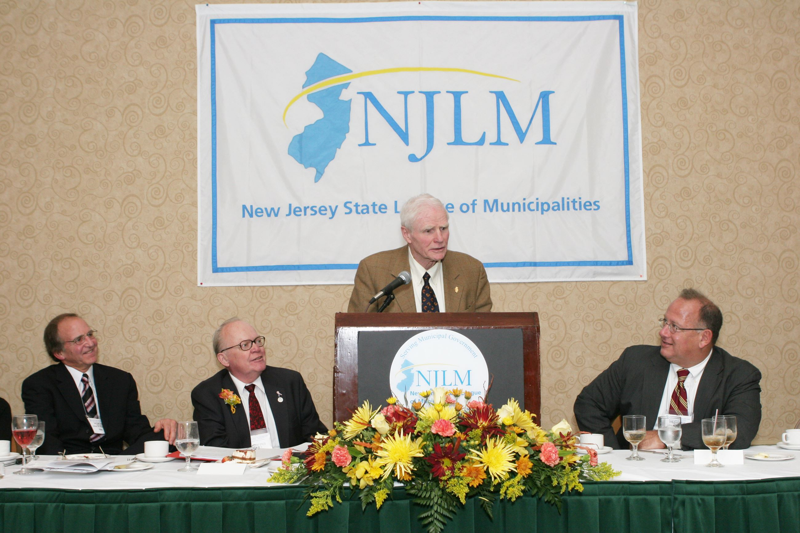 Former Gov. Brendan Byrne speaks at a League event